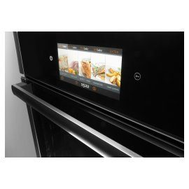 HomeCHEF oven with a wide range of dishes and cooking modes