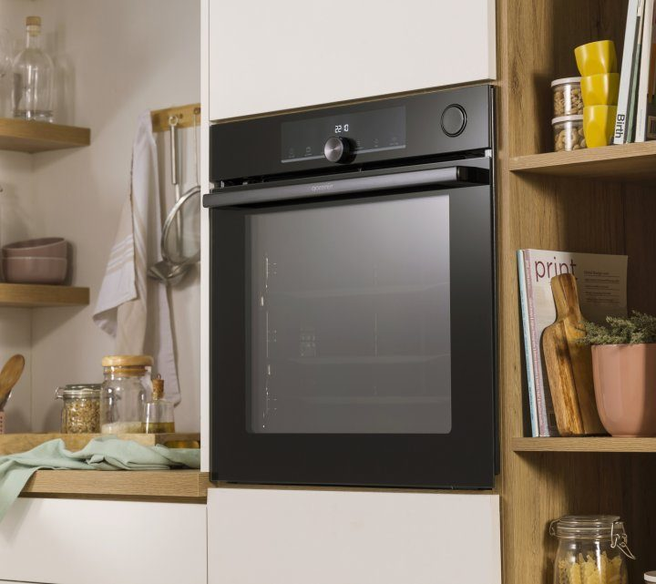 Kitchen Myths: Where Does The Oven Fit?