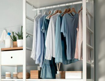 Short guide to a perfectly organized closet