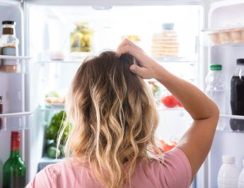 Water Or Ice In The Refrigerator: Here's What It Means