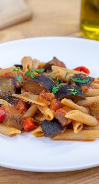 Penne arrabiata with aubergines
