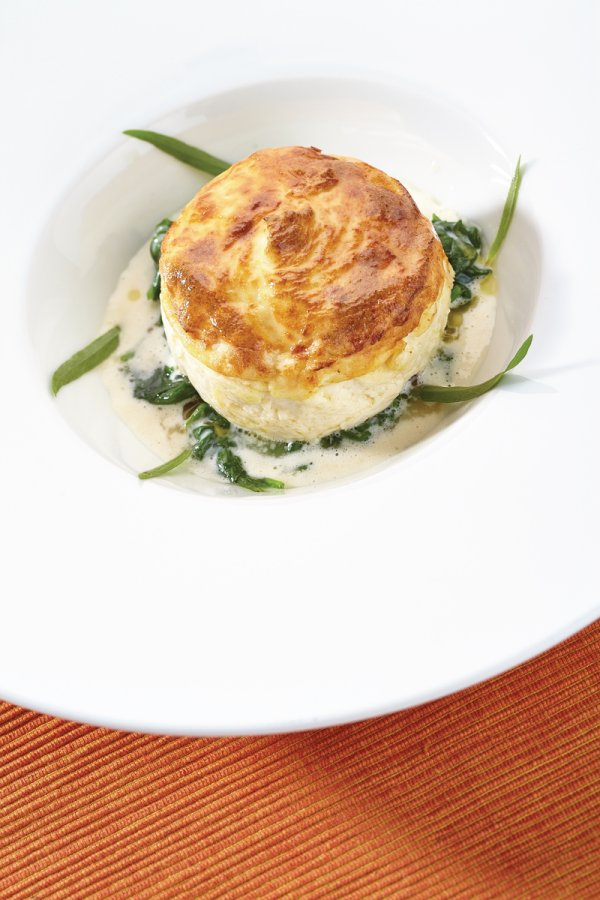 Pike soufflé with tarragon sauce